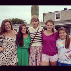 Taylor with fans in Cape Cod, 7/29/12 [x]