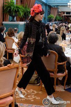 "Показ коллекции Chanel Pre-Fall 2017 в знаменитом отеле ""Ритц"""