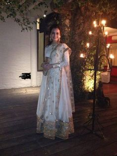 Newly wed Dia Mirza celebrates her first Diwali after marriage in a beautiful Sabyasachi Mukherjee lehenga! Doesn't she look just gorgeous? Punjabi Fashion, Ethnic Fashion, Bollywood Fashion, Asian Fashion, Bollywood Style, Bollywood Celebrities, Bollywood Actress, Bollywood Lehenga, Sabyasachi