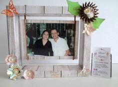 Portaretrato decorado Facebook:  Laura Tarjetas