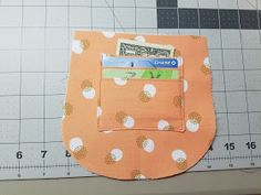 Sincerely Jen: Adding Credit Card Pockets to the free Swoon Patterns Dollie Mini Crossbody Bag