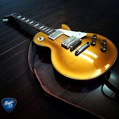 Here's @arkay_oldman1959's 1957 reissue LesPaul Goldtop. What a gorgeous guitar! #LesPaul #Goldtop Learn to play guitar online at www.Studio33GuitarLessons.com