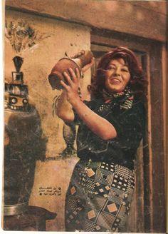 شويكار Best Black, Black And White, Egyptian Beauty, Egypt Art, Rare Photos, Old Pictures, Actors & Actresses, Nostalgia, Vintage