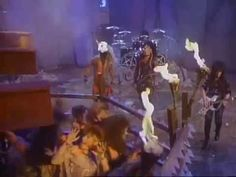 Motley Crue - Looks That Kill [Live at US Fest`1983] - YouTube