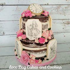 Vintage Alice in Wonderland naked cake! #vintage #aliceinwonderland #nakedcake…