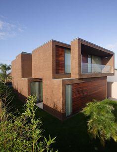 Casa en Agra / RVdM Arquitecto