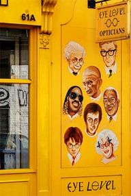 Optician in Notting Hill, London -- great visual on their storefront!