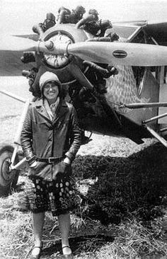 """Marvel Crosson - Marvel was a pioneer aviatrix, the first licensed woman pilot in CA and Alaska, a contemporary of Amelia Earhart. She died tragically in the first """"Powder Puff"""" derby in Women In History, World History, Ancient History, Old Pictures, Old Photos, Moving To San Diego, Aeropostale, Mode Vintage, Vintage Air"""