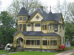 I love Victorian style homes Victorian Architecture, Beautiful Architecture, Beautiful Buildings, Beautiful Homes, Pavilion Architecture, Sustainable Architecture, Residential Architecture, Contemporary Architecture, Victorian Style Homes