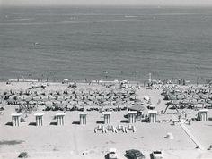 Playa de Torremolinos   por Biblioteca Facultad de Empresa y Gestión Pública