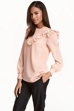 Blusa de seda con volantes   H&M