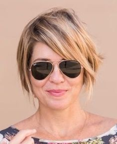 If i go back to short hair hair halblang short bob haircuts and hairstyles for women shortbobhairstyles How To Curl Short Hair, Girl Short Hair, Short Hair Cuts, Short Hair Styles, Growing Out Short Hair, Short Pixie, Long Hair, Biolage Hair, Hair Again