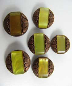 Lot of 6 Vintage 20 mm Copper & Yellow Plastic Buttons by TheTreasureBoxOrna on Etsy