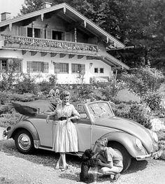 VW Beetle 1200 Convertible Press PhotoYou can find Volkswagen and more on our website. Volkswagen Golf Cabriolet, Volkswagen Convertible, Vw Cabriolet, Combi Vw, Vw Vintage, Beautiful Bugs, Volkswagen Bus, Vw Camper, Vw Beetles