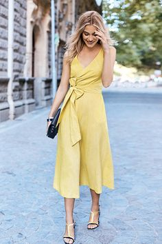 Love the wrap dress and v neck.  Midi length is nice too.