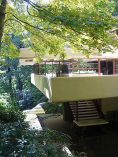 Fallingwater, Frank Lloyd Wright. A beautiful home built to harmonize with nature.