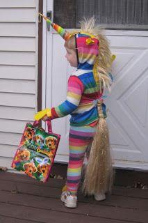 Cute, homemade, rainbow unicorn costume!  Made me think of @Leslie Lane.  Heee.