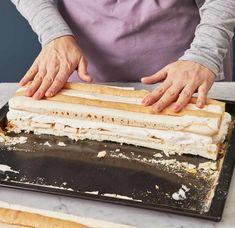 Kardinalschnitten Rezept - [ESSEN UND TRINKEN] Austrian Recipes, Dental Facts, Dental Problems, Confectionery, Vanilla Cake, Deserts, Bread, Baking, Food