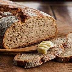 Roggenbrot – Basic Homemade Bread Recipe – The healthiest bread to make? Greek Diet, A Food, Food And Drink, Medicinal Herbs, Greek Recipes, Food Items, Stuffed Peppers, Meals, Dishes