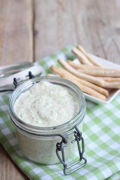 Zelfgemaakte kruidendip (heksenkaas) - Lekker en Simpel