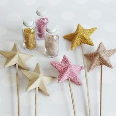 @Rachel Harris - I may need your help making these for Gracie's next birthday. Paper Mache Star Wand