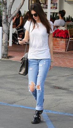 Kendall Jenner #Blue jeans white shirt welcome to the rhythm oh you make my eyes burn it was like James Dean for sure  #LOL