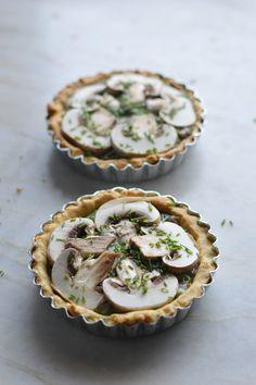 Spinach-mushroom creamy pies [vegan]