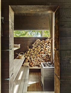 Scandinavian Sauna Culture — UP KNÖRTH - Scandinavian Sauna Culture — UP KNÖRTH NuBuiten inpiratie // We love scandinavian sauna culture! Haal nu je eigen sauna in huis nubuiten. Design Sauna, Design Design, Scandinavian Saunas, Scandinavian Cottage, Modern Saunas, Rustic Saunas, Sauna Wellness, Piscina Spa, Sauna House