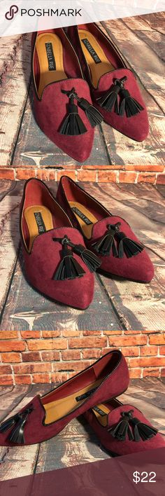 Izabella Rue burgundy Flats pointed toe Loafers Great condition  See all photos- the inside of the shoes say size 6.5 the bottom of the shoe says size 6 Izabella Rue Shoes Flats & Loafers