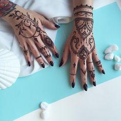 #Henna glove & finger pattern #veronicalilu