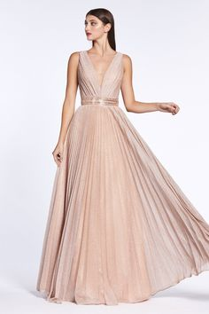 A beautiful a-line formal dress in a pleated sparkle chiffon fabric. This dress is the perfect dress for attending a wedding or a modern glam bridesmaid dress. Metallic Dress, Metallic Bridesmaid Dresses, Evening Dresses, Prom Dresses, Sleeveless Dresses, Cinderella Dresses, Prom Long, Chiffon Skirt, Dress Wedding