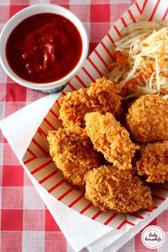 Domowe nuggetsy w płatkach kukurydzianych czyli LFC - Lady housewife Low Fodmap, Kfc, Chicken Wings, Grilling, Food And Drink, Meat, Vegetables, Cooking, Breakfast