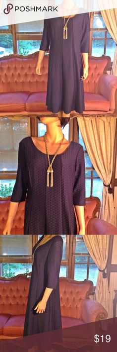 """Casual Dresses, Knee Length Dresses, Short Sleeves Women Midi Casual Dress  Brand: R&M Richards  Size 16 Stylish Midi Length* Deep Navy Blue Color*  Three-Quarters 16"""" Sleeves * Length 42""""*  Bust Armpit to Armpit 20""""(40)*  Shoulder to Shoulder 18""""*  Waist 20""""(40)*   Orders ship within 1 Business Day excluding weekends. Add multiple items to a bundle to get 15% off, plus you'll save on shipping. Thanks For Shopping with Dress To Impress Thrift & Boutique.  Have A Great Day R & M Richards…"""