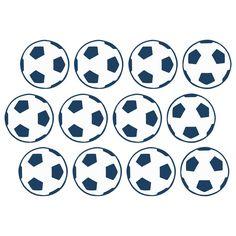 Affichez la passion de votre enfant sur les murs de sa chambre grâce à cette frise de stickers sur le thème du football ! Faciles à installer, ces petits ballons de foot apporteront un aspect très graphique à la pièce. Votre supporter en herbe sera ravi de pouvoir composer son décor selon ses envies.  Format : 120 x 10 cm