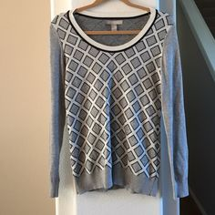 Banana Republic Sweater Cotton/Poly Banana Republic patterned sweater with scoop neck.  EUC. Banana Republic Sweaters Crew & Scoop Necks