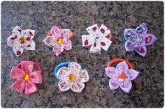 Giselle Barbosa Artesanatos: Xuxinhas/elásticos de cabelo com flores de fuxico ...