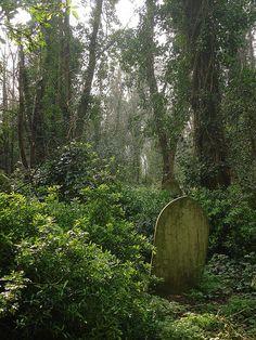 Gravestone - Nunhead Cemetery by Greatwich, via Flickr