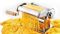 Nad domácí výrobu není... http://www.panvicky.cz/strojky-na-testoviny-a-nudle/