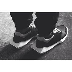 Rick Owens x adidas Tech Runner - EU Kicks: Sneaker Magazine - Sneakers Fashion, Fashion Shoes, Mens Fashion, Street Fashion, High Fashion, Wedge Sneakers, Shoes Sneakers, Buy Shoes, Men's Shoes