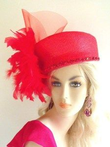 love this red hat