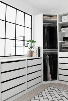Schrank: 105 fotos og modeller for alle Stile - Neu dekoration stile - . Walk In Closet Design, Bedroom Closet Design, Room Ideas Bedroom, Home Room Design, Closet Designs, Home Bedroom, Home Interior Design, Room Decor, Ikea Wardrobe