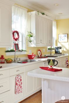 Red Kitchen Wall with White Cabinet. Red Kitchen Wall with White Cabinet. Red Cabinets In the Kitchen with White and Yellow Walls Yellow Kitchen Designs, Yellow Kitchen Walls, White Kitchen Cabinets, Painting Kitchen Cabinets, Kitchen Redo, Kitchen Ideas, Kitchen White, Red Cabinets, Kitchen Layout