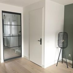 New-build home inspiration. Beautiful steel (lookalike) door from Bruynzeel. So the look of steel doors but then of Black And White Interior, House Doors, Industrial House, Steel Doors, Internal Doors, Small Space Living, Home Living Room, Home Accessories, Locker Storage