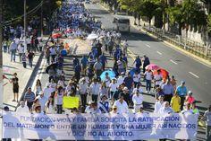 elsalvador.com, Salvadoreños marchan por la defensa de la familia