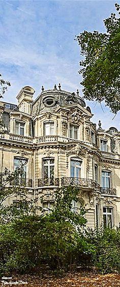 Van Dyke Mansion Paris  — Très Haute Diva