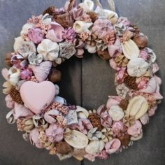 Vintage ajtódísz Vintage wreath Diy Spring Wreath, Diy Wreath, Door Wreaths, Christmas Advent Wreath, Xmas, Vintage Wreath, Shabby Vintage, Diy And Crafts, Floral Wreath