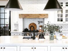 Today is the first time my kitchen has been really clean in about two weeks, and you know what that means.we'll be eating out tonight. Farmhouse Kitchen Inspiration, Modern Farmhouse Kitchens, Modern Farmhouse Decor, Home Kitchens, Dream Kitchens, Kitchen Dinning Room, Kitchen Layout, Kitchen Decor, Kitchen Board