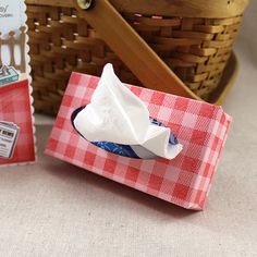 Mini Gingham Tissue Box by Lizzie Jones for Papertrey Ink (December 2016)