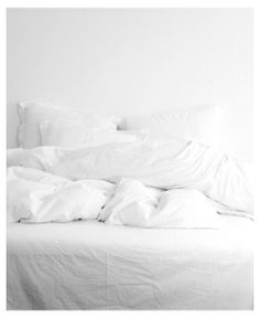 ALWAYS ADORE AN UNMADE BED  rockitclassy:  Afbeelding via We Heart It #bed #decoration #fashion #fashionable #fashionista #girl #home #love #minimalism #simplicity #white #x - https://weheartit.com/entry/70734097/via/662163