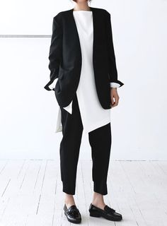 black and white minimalist fashion